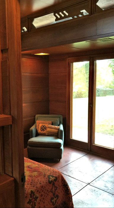 Rosenbaum House - Peek at bedroom - A Frank Lloyd Wright Usonian House