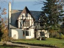A Tudor house in Delaware, OH