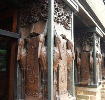 Columns at Frank Lloyd Wright offices in Oak Park Illinois – Art Nouveau?