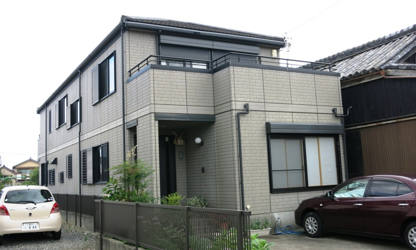 a modern house of japan with maximum space utilization but little in the way of style - Modern Japan House