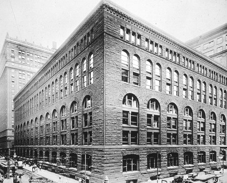 Marshal Fields Wholesale Store - Henry Hobson Richardson's commercial block version of Richardsonian Romanesque