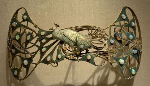 Art Nouveau Peacock brooch by Rene Lalique