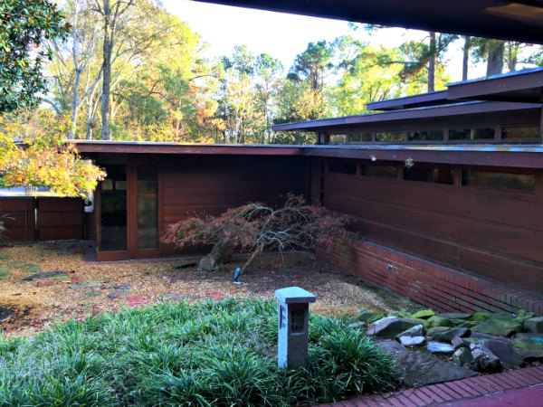 The Rosenbaum House garden - A Frank Lloyd Wright Usonian House