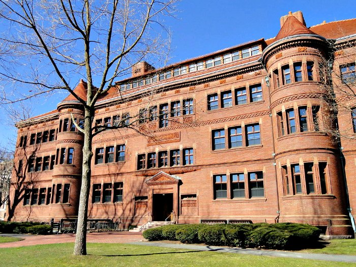 Sever Hall- Harvard-Richardsonian Romanesque in Brick - by Henry Hobson Richardson - photo courtesy Daderot at Wikimedia Commons