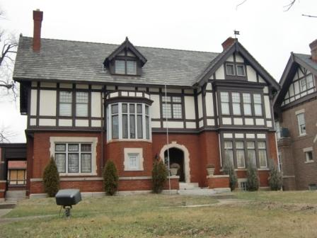 A Tudor house in Columbus, OH