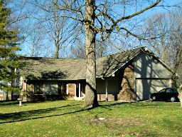 A shorter than normal Ranch home in New Palestine, Indiana