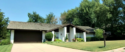 Tulsa is the home to quite a few houses with this modern, pillared entry way - Ranch Style Home Designs