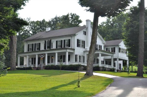 Farmhouse Dream House Plans