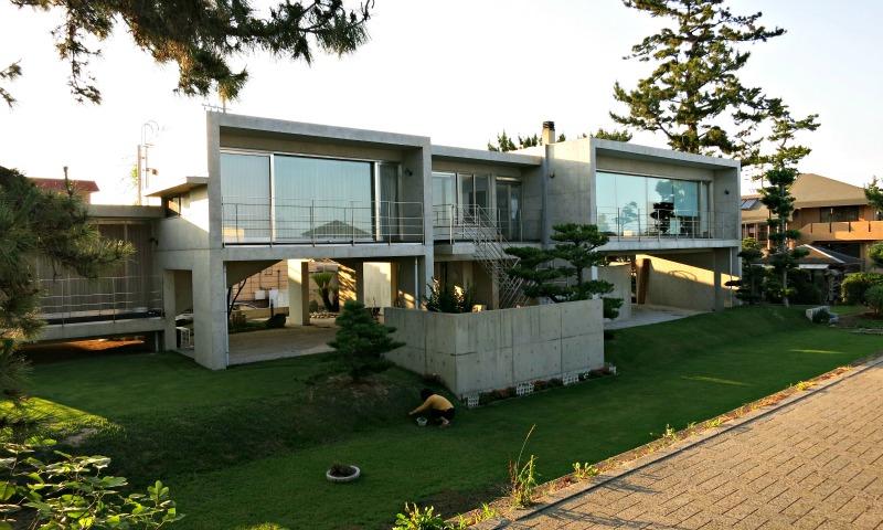 Japanese Modern Home at Chiyozaki beach