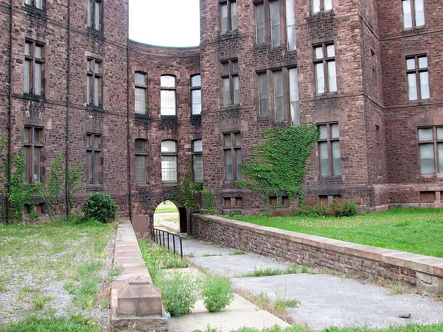 NY State Asylum Interior Court - Henry Hobson Richardson Architect