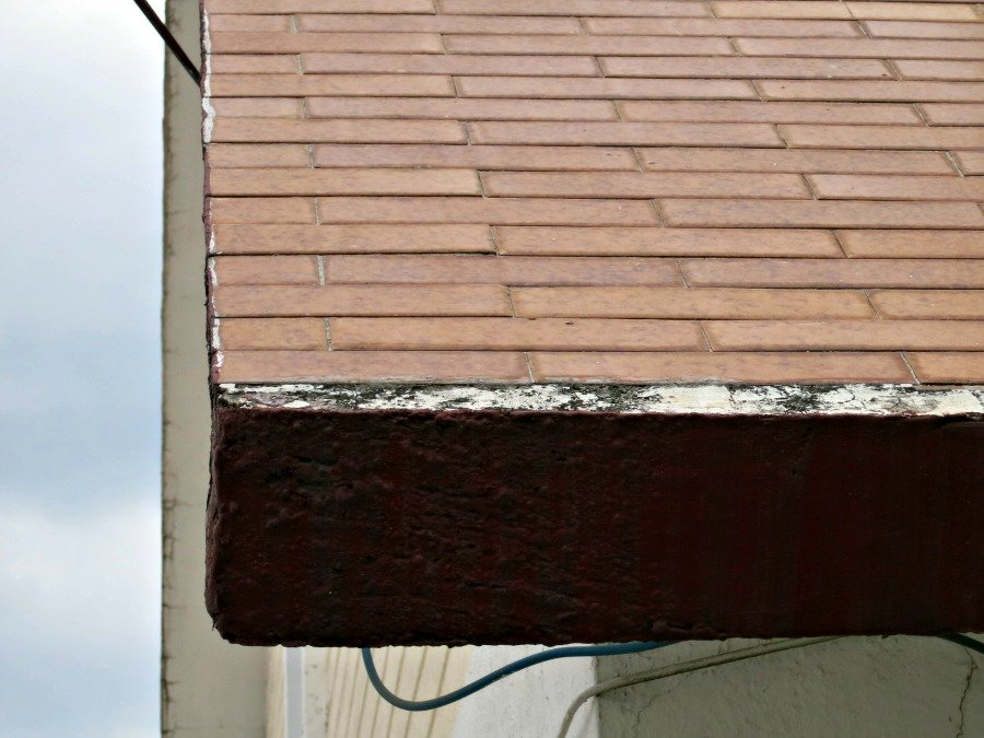 While more difficult to pour, even steep roofs can be reinforced concrete