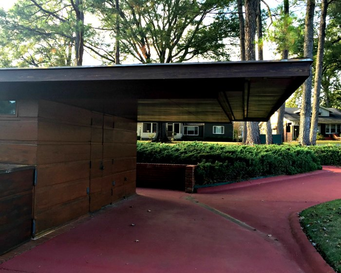 Side Entrance to Rosenbaum House, Frank Lloyd Wright Usonian House