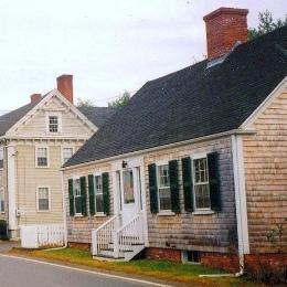 A full Cape Cod home